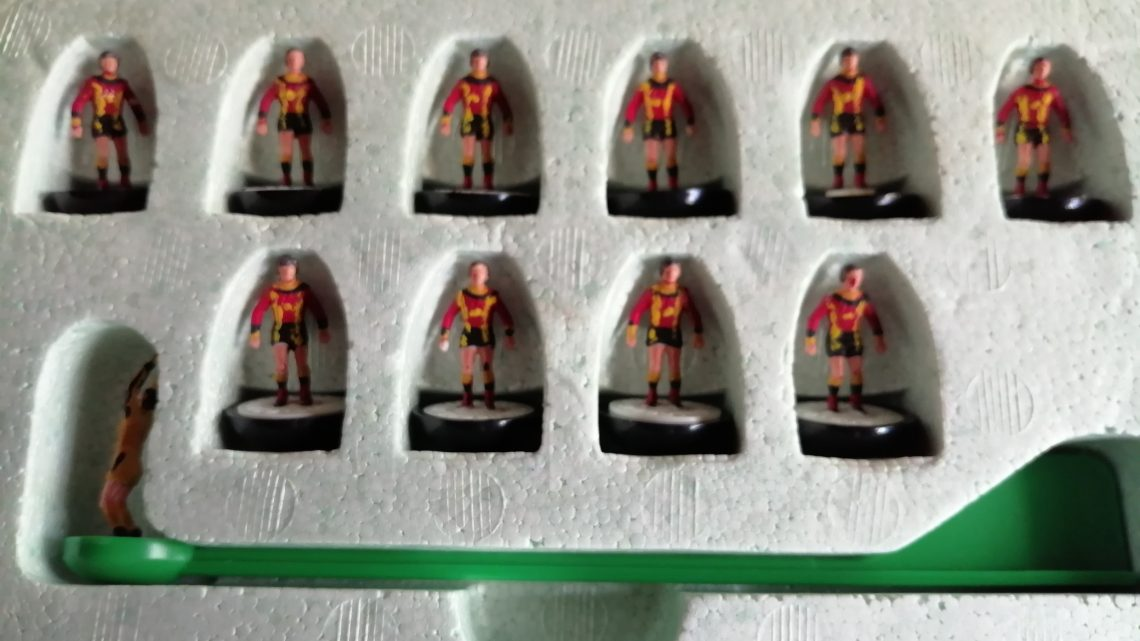 Can you help save this boot sale haul of rare Delacoste Subbuteo teams?