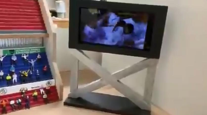 Introducing the DIY Subbuteo scoreboard with a real digital screen